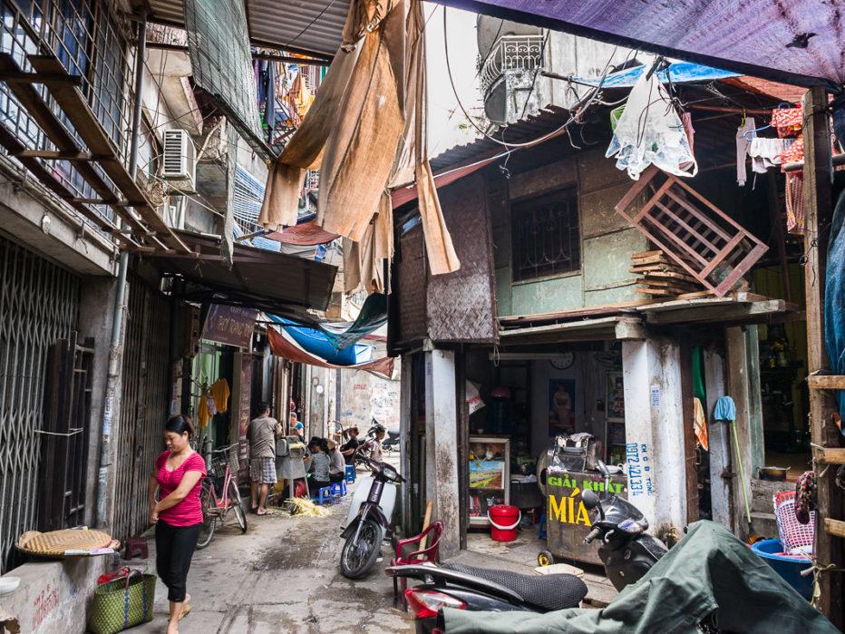Hanoi, passage près de la rue Hàng Khoai