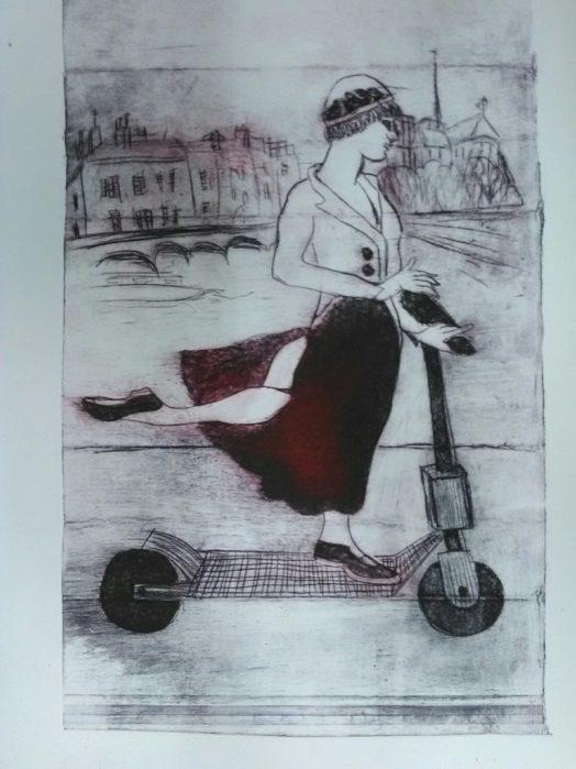 Parisienne sur sa trottinette