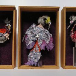 2019-Sculptures 3 oiseaux  (soie, fil de cuivre étamé, bois, plumes) – copie 2